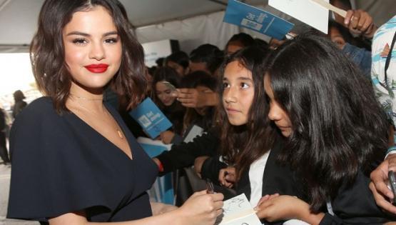 Selena Gomez sunuculuk yapacak